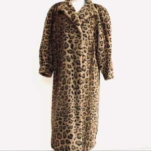 Vintage faux fur leopard 🐆 cheetah 50's coat